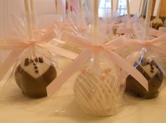 wedding shower favors cake-pops-and-more