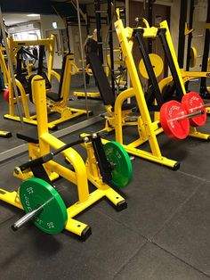 Diy Gym Equipment, No Equipment Workout, Gym House, Dream Gym, Gym Room, Gym Design, Workout Machines, At Home Gym, Weight Training