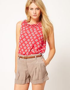 Enlarge Oasis Daisy Top With Laser Detail