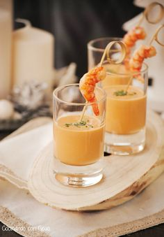 Cooking with Neus: Christmas appetizer Light cream shrimp shots - Cremes - Comida Appetizers For Party, Appetizer Recipes, Aperitivos Finger Food, Yummy Snacks, Yummy Food, Salty Foods, Daiquiri, Fish Recipes, Finger Foods