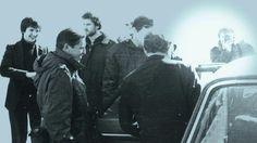 El fotógrafo argentino que estuvo en las Islas Malvinas el 2 de abril de 1982 relata como fue fotografiar el desembarco y la posterior publicación.    Parte del Documental Interactivo Malvinas30  malvinastreinta.com.ar
