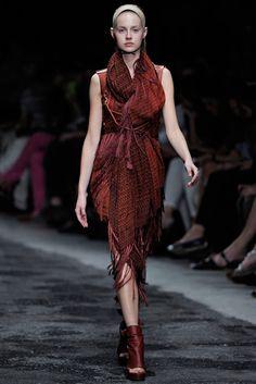 A.F. Vandevorst Spring 2012 Ready-to-Wear Fashion Show - Merilin Perli (MARILYN)