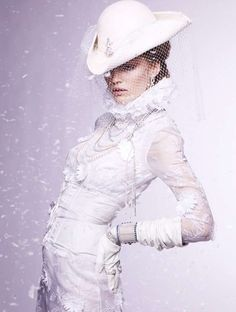 """Hanna Wahmer in """"Iceland Queens"""" Photographed By Satoshi Saikusa Styled By Enrica Ponzellini For Vogue Gioiello, Winter 2011 Snow Queen, Ice Queen, All White Party, Vogue Japan, Love Hat, Shades Of White, 50 Shades, White Fashion, Swagg"""