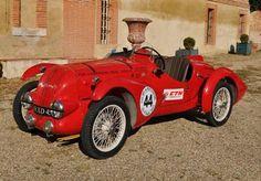 Amédée Gordini, surnommé Le sorcier, a beau être Italien, c'est en France qu'il a fait ses gammes. Le pilote et fabricant d'automobile légendaire a démarré dans les années 1920 à Paris, en partenariat avec un compatriote, Vittorio Camerano. Quelques années plus tard, en 1932, ils ont réalisé ce modèle pour Fiat , avant de se séparer. Estimation : 150 000 – 200 000 euros.