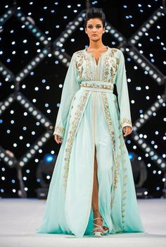 Four Season Marrakech 2013 Moroccan Bride, Moroccan Caftan, Moroccan Style, Arab Fashion, Islamic Fashion, Fashion Women, Oriental Dress, Oriental Fashion, Caftan Gallery