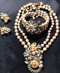 9a5d4f9b28351 1934 Best Vintage Miriam Haskell Costume Jewelry images in 2019 ...