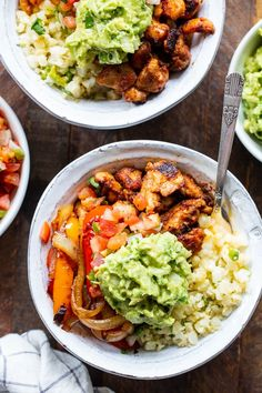 These Paleo Chicken Burrito Bowl are packed with tons of flavor and goodies! Bite size seasoned chicken thighs, zesty cauliflower rice, pepper and onions plus and easy guac make these bowls healthy, filling, and a family favorite. and keto fr Paleo Menu, Paleo Recipes Easy, Clean Eating Recipes, Whole Food Recipes, Diet Recipes, Healthy Eating, Paleo Food, Paleo Vegan, Whole30 Recipes