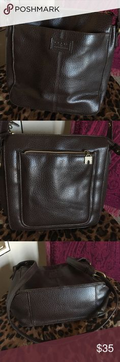 """🐻 Chocolate Brown Relic Leather Crossbody EUC! *see closet for BLACK version* Want to BUNDLE them for a special price?!! Lots of pockets, one small stain inside. Adjustable strap and super soft leather! 😊 Dimensions are about 10"""" tall, 9 1/2"""" wide. Relic Bags Crossbody Bags"""
