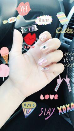 Korean nails art 🖤  Inventando con mis uñas💫✨