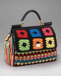 Bolsa com alça acabamento em crochê