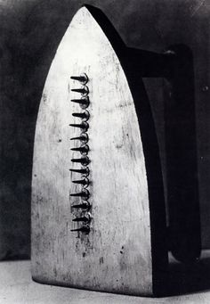 Man Ray 'Gift' 1921 ~Form and Function                       ~Form and Style                    ~Materials, techniques and processes               ~subjects and genre                     ~g̲e̲n̲d̲e̲r̲, nationality and ethnicity