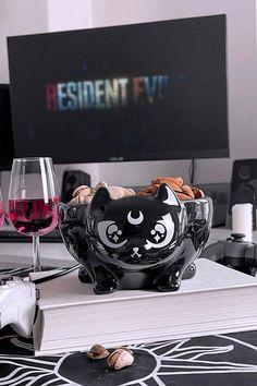 Gothic Kitchen, Cartoon Eyes, Gothic House, Cat Design, Tea Cup Saucer, Ceramic Bowls, White Ceramics, Kitty Bowl, Halloween Decorations