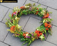 1000 images about kranz on pinterest wreaths autumn. Black Bedroom Furniture Sets. Home Design Ideas