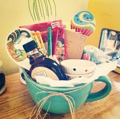House warming breakfast in a mixing bowl Secret Sister Gifts, Diy Gift Baskets, Fundraising Ideas, School Gifts, Diy Christmas Gifts, House Warming, Great Gifts, Easter, Gift Ideas