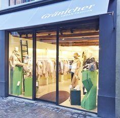 Gränicher urban fashion an der Weggisgasse 34 in Luzern. Auf drei Etagen ein Paradies für modebewusste Frauen oder solche die es werden wollen. Shops, Lucerne, Man Fashion, Paradise, Men And Women, Switzerland, Tents, Retail, Retail Stores