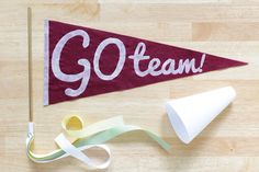 How-to: Easy Vintage Style Pennant | Hands Occupied  Get your DIY on in small spaces! This simple freezer paper screen print project is perfectly dorm-sized.