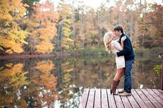 Autumn Engagement | Photos | Fall Picture Ideas