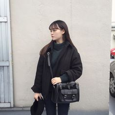 그라페아 블랙 크로스백 www.grafea.com #grafea #leather #bags #그라페아 #가방 #크로스백 #숄더백 #토트백 #핸드백 #가방추천 #데일리백 #블로거