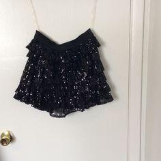 Skirt Sequenced ruffle skirt. Super Cute. Skirts