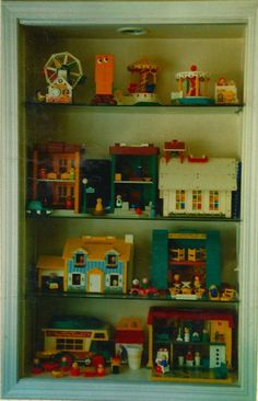 My Personal Fisher Price Little People Collection PART 3 Amazing and wonderful! Childhood Toys, Childhood Memories, Sweet Memories, Fisher Price Toys, Vintage Fisher Price, Retro Toys, Vintage Toys, Vintage Games, Antique Toys