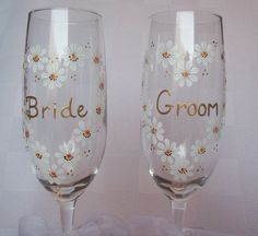 Hand Painted Wedding Daisy FlutesChampagne by smelltheroseboutique, $46.00