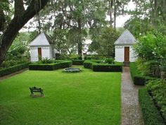 Notable Beaufort gardens on tour – Beaufort South Carolina The Island News Garden Architecture, Architecture Details, Formal Gardens, Outdoor Gardens, Garden Structures, Outdoor Structures, Landscape Design, Garden Design, Patio Design
