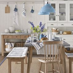 Pull up a chair in this gorgeous eat-in kitchen