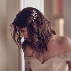 DREAMER crystal floral hair piece for Art Deco wedding in Elegant Wedding Hair, Wedding Hair Down, Wedding Hair And Makeup, Bridesmaid Hair Down, Hair Comb Wedding, Bride Hair Down, Wedding Hair Pieces, Bride Makeup, Chic Wedding