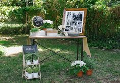 Create this easy graduation party note table so guests can say congratulations and write their well wishes for the new grad.