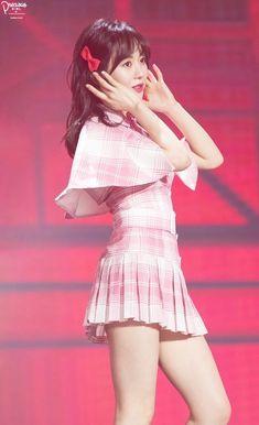 Snsd, Aoa Elvis, Kwon Mina, Korean Girl Band, Miu, Asian Celebrities, Stage Outfits, Sexy Asian Girls, Kpop Girls