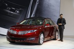 The 2013 Lincoln MKZ has made its long-awaited debut at the 2012 New York Auto Show. Lincoln 2017, Lincoln Life, Lincoln Mkz, Donate Car, Automobile Industry, Mazda, Luxury Cars, Cool Cars, Dream Cars