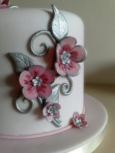 Jewellery Inspired Cake by Small Things Iced  (love the flower)