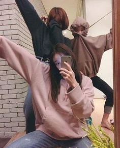 when ulzzang chinguuus go crazyyyyyyyy Mode Ulzzang, Korean Ulzzang, Ulzzang Boy, Cute Korean, Korean Girl, Asian Girl, Korean Style, Best Friend Photos, Best Friend Goals