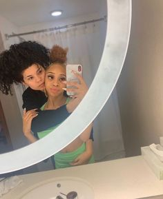 Cute Lesbian Couples, Lesbian Love, Cute Couples Goals, Couple Goals, Cute Relationship Goals, Cute Relationships, Black Lesbians, Girlfriend Goals, Lgbt Love