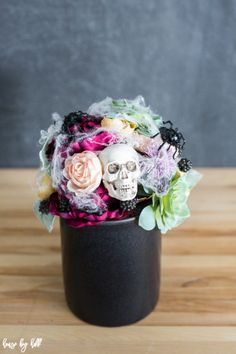 Decorate your house this Halloween with a DIY creepy Halloween floral arrangement! They add tasteful colorful spooky decor to your home! Halloween Flower Arrangements, Halloween Flowers, Floral Arrangements, Spooky Decor, Diy Halloween Decorations, Halloween Crafts, Halloween Ideas, Aisle Decorations, Creepy Halloween