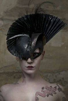 Avant-Garde Silhouettes - 'Wanda Seldon' by Mariya Sabotinova Explores Shapes & Negative Space (GALLERY)