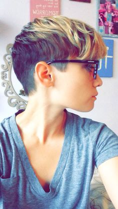 Pixie undercut with a blonde ombré