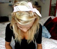 Love the messy hair look. The bandana makes it so chic