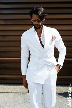 White Wedding Suit, Wedding Suits, Mens Fashion Suits, Mens Suits, Groom Fashion, Double Breasted Suit Men, Costume Blanc, Classy Suits, Designer Suits For Men