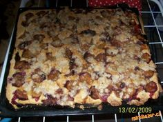 Švestkový koláč z babicových dobrot včera jsem ho pekla je opravdu vynikajíci doporučuju!!!!!!!!
