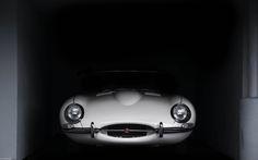 Jaguar E-Type. (by Ian Altamore.)