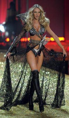 Victoria's secret fashion show lingerie