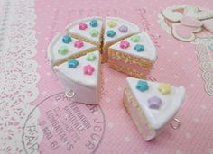 Best Friends Group Cake Slice Necklaces - BFF Forever - https://www.facebook.com/different.solutions.page
