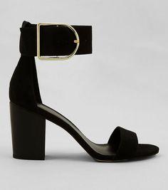 Die 380 besten Bilder von Chaussures à talon noires   Black heels ... df792becfddd