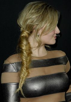 Abigail Breslin: Not Age-Appropriately Dressed in Norma Kamali? : Abigail Breslin wearing a silver-and-nude-panel long-sleeve dress by Norma Kamali Emma Watson Beautiful, Beautiful Girl Image, Gorgeous Women, Beautiful People, Hottest Female Celebrities, Beautiful Celebrities, Beautiful Actresses, Abigail Breslin, Blond