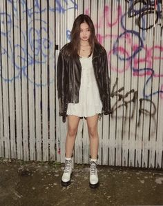 Find images and videos about kpop, blackpink and jennie on We Heart It - the app to get lost in what you love. Blackpink Fashion, Fashion Week, Korean Fashion, Fashion Outfits, Blackpink Jennie, Kpop Outfits, Casual Outfits, Cute Outfits, K Pop