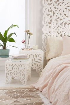 Sienna Carved Side Table Set - Urban Outfitters