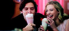 20 Reasons Betty Cooper And Jughead Jones Are Endgame On Riverdale Riverdale Betty And Jughead, Betty & Veronica, Lili Reinhart And Cole Sprouse, Bughead Riverdale, Riverdale Fashion, Cole M Sprouse, Lily Cole, Archie Comics, Couple Goals
