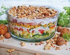 Kolorowa sałatka warstwowa z brokułem,  szynką i prażonymi orzechami Macaroni And Cheese, Cereal, Pudding, Breakfast, Ethnic Recipes, Desserts, Food, Recipes, Tailgate Desserts