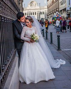 Mi mayor regalo es saber que juntos nos quedan miles de sueños por cumplir 🥰❤️  . . . 📸 Fotógrafo: @passionlove_films #Matrimoniocompe #noscasamos #loveyou #couplegoals #weddinggoals #novios #esposos #sesióndeboda #fotosdematrimonio #wedding #reciéncasados #noviosperuanos  #wedding #noscasamos #TodoVaASalirBien Photo And Video, Wedding Dresses, Instagram, Fashion, Gift, Boyfriends, Moda, Bridal Dresses, Alon Livne Wedding Dresses